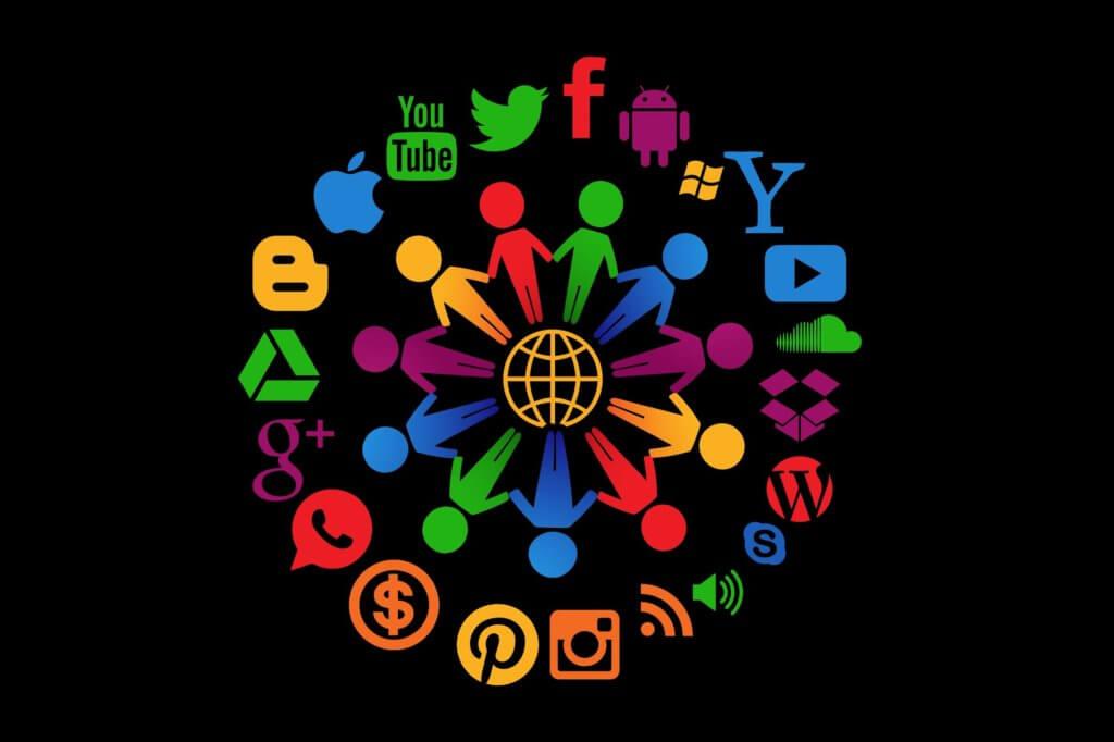social-media-1430527_1920