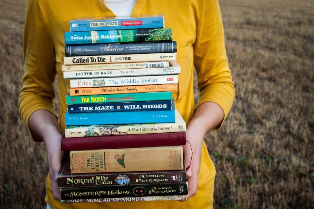 books-1605416_1920